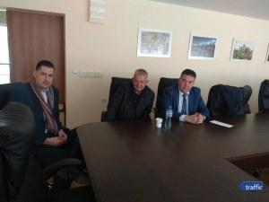 Крушарски с изненадваща визита при кмета Тотев, готов е да започне ремонта на Лаута