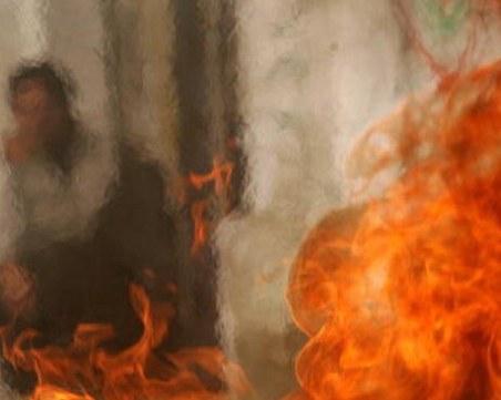 52-годишна жена се самозапали, нямала пари за лекарства