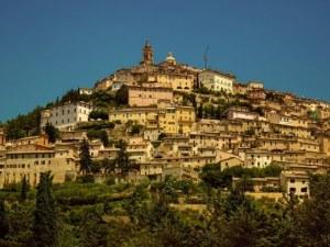 Ако ви е омръзнал Рим, ето 6 града, които ще ви пленят СНИМКИ