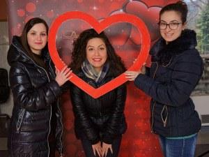 Благотворително фото събра 305 лв. за Лизи от Асеновград СНИМКИ