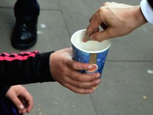 Майка заряза детето си на улицата, то хвана СПИН