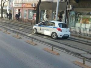 Родната полиция ни пази... а и дебне да ни гази, в насрещното СНИМКИ
