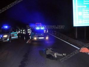 Турски тир блъсна и уби мъж край Хасково