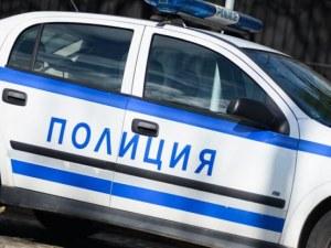 Задържаха мъж и двама 16-годишни, крали гуми в Добричко