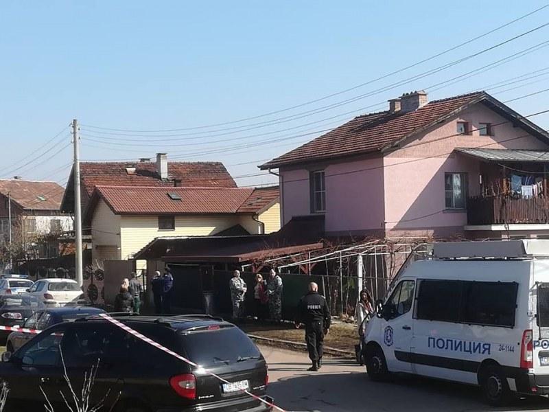 Убиецът от Нови Искър – неадекватен, овързан и арестуван СНИМКИ