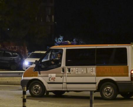Ученически автобус и кола се блъснаха! Жена е в тежко състояние