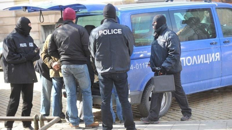 Разбиха банда, обирала зрелищно търговци от 10 години на Брезовско шосе в Пловдив