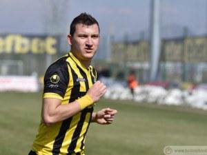 Ботев предлага нов договор на Тодор Неделев