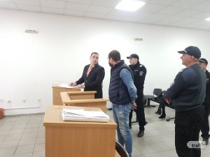 Обрат: Братовчедът на Мегз си признал за схемата с джипа! Оставиха Рончев в ареста СНИМКИ