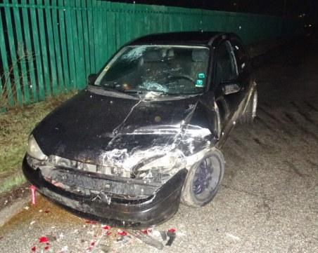 Кола се заби в ТИР на бензиностанция, шофьорът ѝ избяга