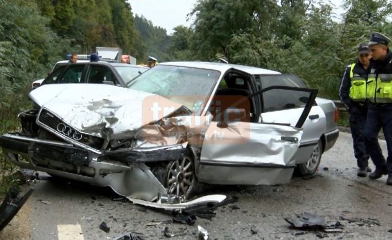 Жена загина намясто при катастрофа между кола и автобус