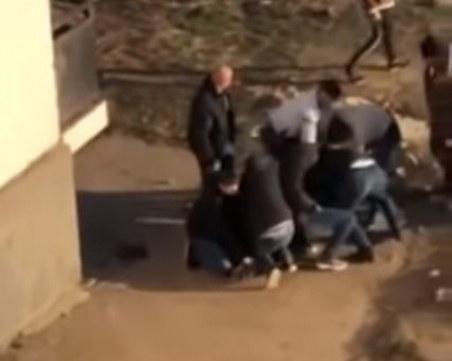 Няколко мъже хванали предполагаемия убиец на таксиметровия шофьор в Разград ВИДЕО