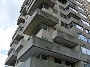 Дядовата ръкавичка – половината българи живеят в пренаселени жилища!