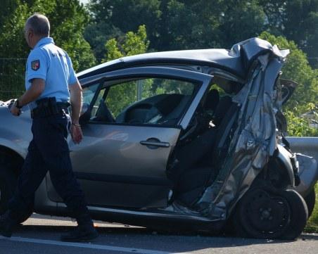 Мъж загина при катастрофа между 2 коли във Варна