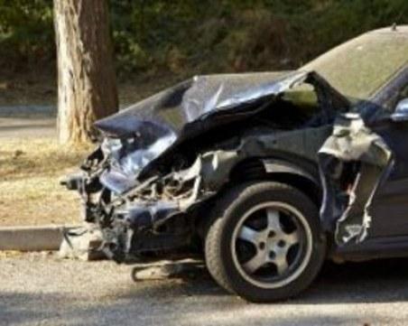 Неизвестен отрадна кола във Велико Търново, блъсна се и избяга