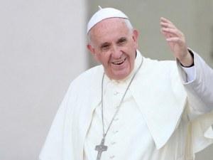 Борисов посреща папата на летището, Радев го чака на
