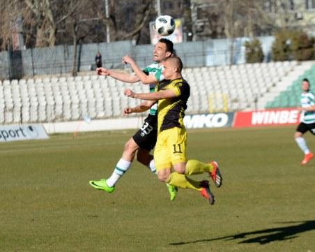 Ботев измъкна точка във Варна в мач с много борба и по-малко футбол
