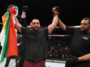 Багата наби американец за първа победа в UFC ВИДЕО
