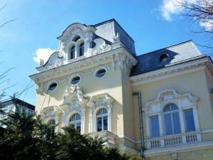Каква е историята на къщата на Яблански в центъра на София? СНИМКИ