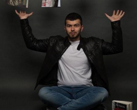 17-годишният Иво Христов пише седма книга, бори се с коварна болест