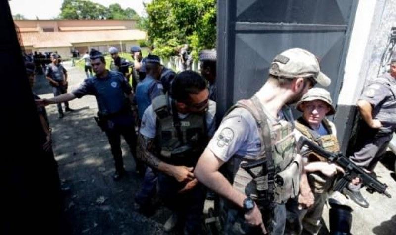 Трагедия след стрелба в училище в Бразилия! Шест деца и двама възрастни загинаха ВИДЕО