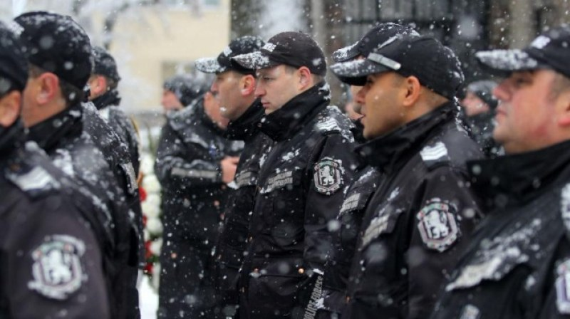 Полицейските синдикати: 25 ст. за нощен труд е гавра със служителите на МВР