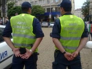 Новост: Полицаите задължително антиконфликтни, когато пазят протести
