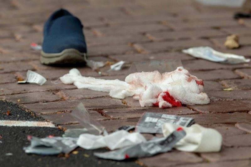 Крайнодесен, бял, в униформа. Кървав стрелец снима терора в Крайстчърч ВИДЕО