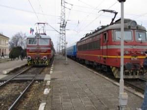 Влак блъсна човек на гарата в Поповица