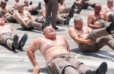 Тайланд праща полицаите си в дебелариум СНИМКИ