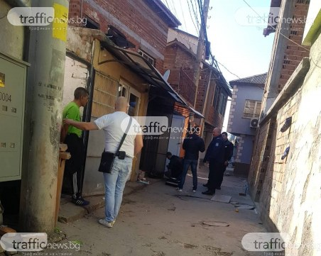 Наркоакция в Пловдив! Арестуваха мъж, полицаи претърсват къща в Столипиново СНИМКИ