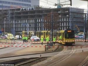 Стрелба в трамвай в Утрехт, има ранени – стрелецът е избягал СНИМКИ