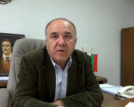Арестуваха кмета на Червен бряг за далавери с програма