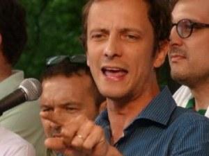 Известен политик антиваксър влезе в болница, пипна... варицела