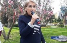 Пенка долетя от Англия, за да подкрепи медсестрите в Пловдив ВИДЕО