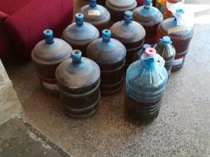 480 литра ракия в туби за вода открити в туристическа база във Варна