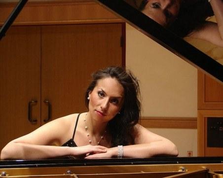 Момиче от Катуница създаде музикална школа за деца с аутизъм в Лондон СНИМКИ