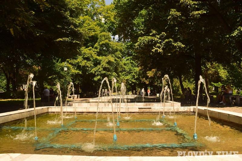 Дондуковата градина в Пловдив под ключ след реконструкцията ВИДЕО