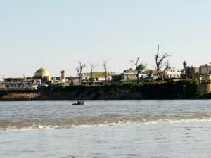 Ферибот потъна в река Тибър заради претоварване, пътниците празнували Нова година