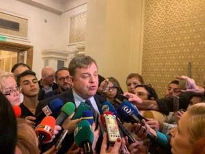 Каракачанов: Не бързайте с коментарите за апартаментите на властта