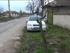Петима роми пребиха и ограбиха мъж на черен път в село Ботево