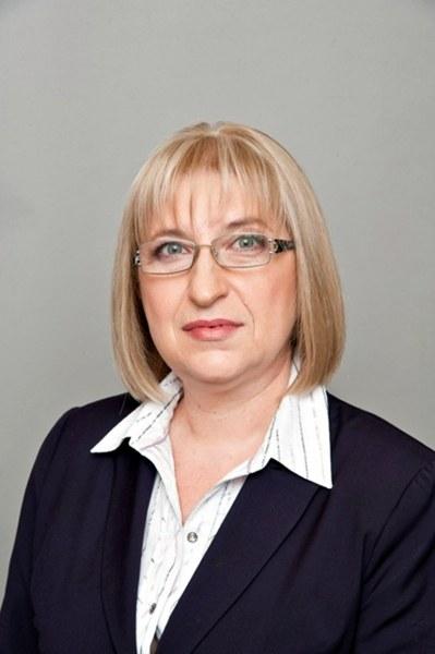 Цецка Цачева подава оставка заради апартамента в кв.