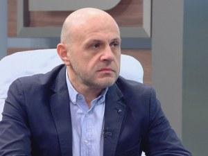 Томислав Дончев: Скандалът с апартаментите може да нанесе щети