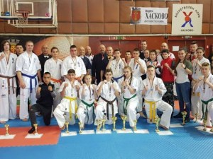 Каратеките на Тракия с 13 медала от държавното СНИМКИ