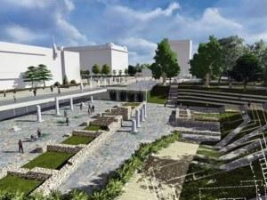 Ремонтът на петте антични колони на площад
