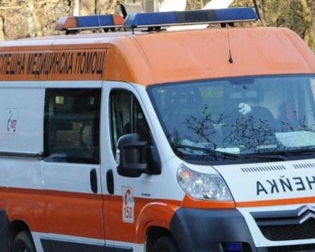 10 деца обгазени в час по плуване! Приети са в Спешното в Бургас