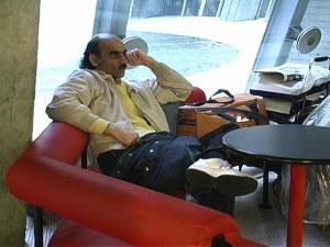 Сър Алфред – мъжът, който живя цели 18 години на летището във Франция