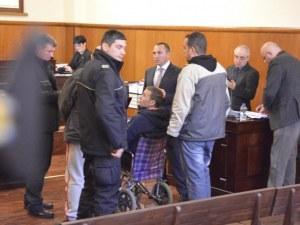 Ще излезе ли днес от ареста алкохолният бос Миню Стайков?