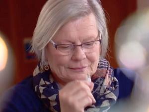 Жена открива Паркинсон с обонянието си СНИМКИ