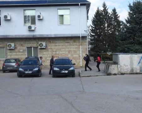 Прокуратурата влезе в община Стражица! Още няма задържани